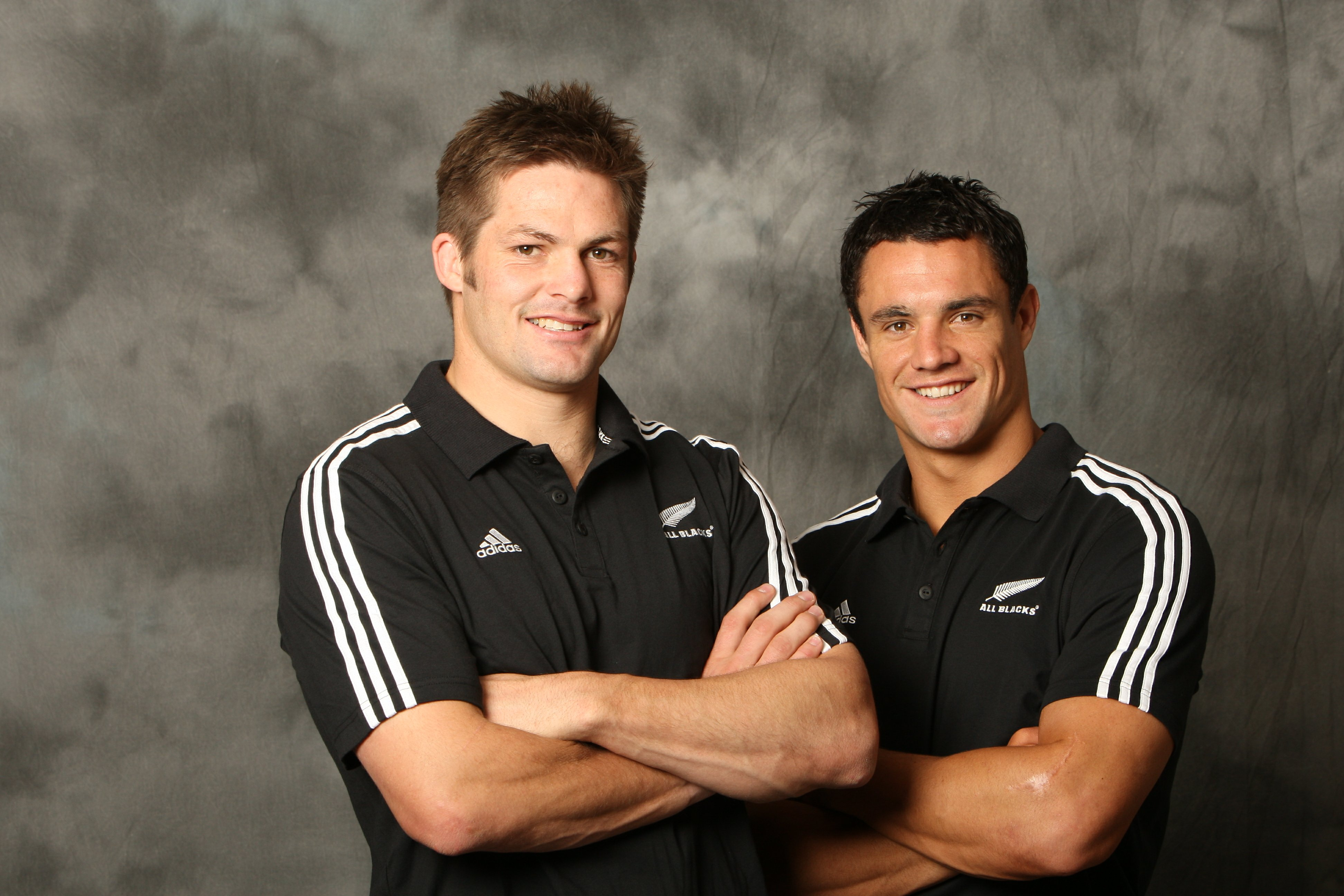 http://sudrugby.files.wordpress.com/2009/11/richie-mccaw-and-dan-carter1.jpg